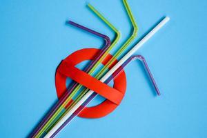 9 Lý do vì sao bạn không nên dùng ống hút nhựa